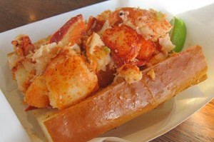 sam'schowdermobile lobster roll